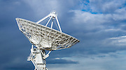 Radio telescope at the Very Large Array (VLA), Plains of San Agustin, Socorro, New Mexico USA