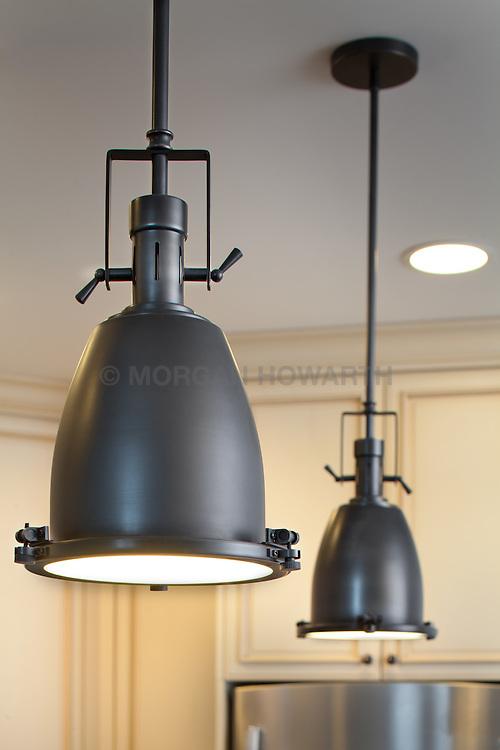 Kitchen pendent lighting