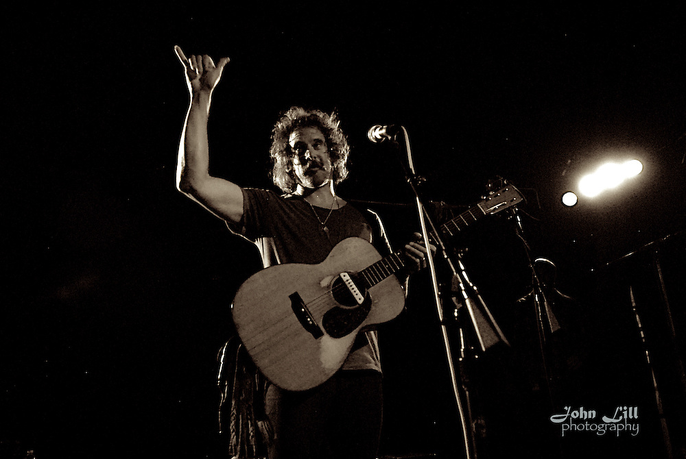 Donavon Frankenreiter performs at the Belly Up Tavern in Solana Beach, CA. Photo by John Lill