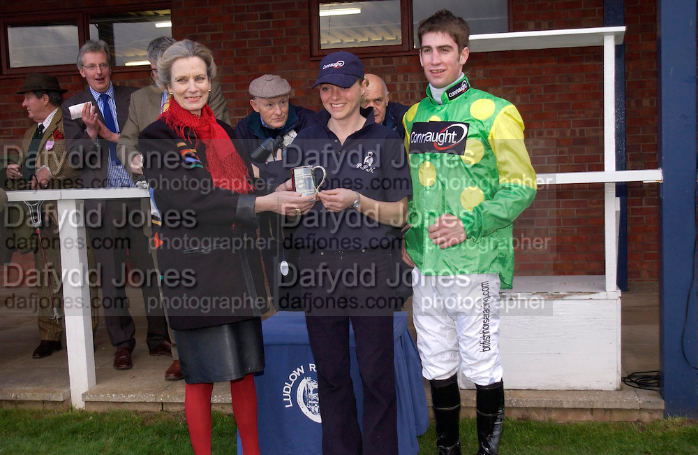 Lady Linithglow with Donna Blake and Christian Williams.  Ludlow Charity Race Day,  in aid of Action Medical Research. Ludlow racecourse. 24 march 2005. ONE TIME USE ONLY - DO NOT ARCHIVE  © Copyright Photograph by Dafydd Jones 66 Stockwell Park Rd. London SW9 0DA Tel 020 7733 0108 www.dafjones.com