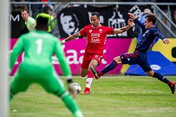 28-01-2018 NED: FC Utrecht - AFC Ajax, Utrecht<br /> Sean Klaiber #17 of FC Utrecht, Nicolas Tagliafico #31 of Ajax