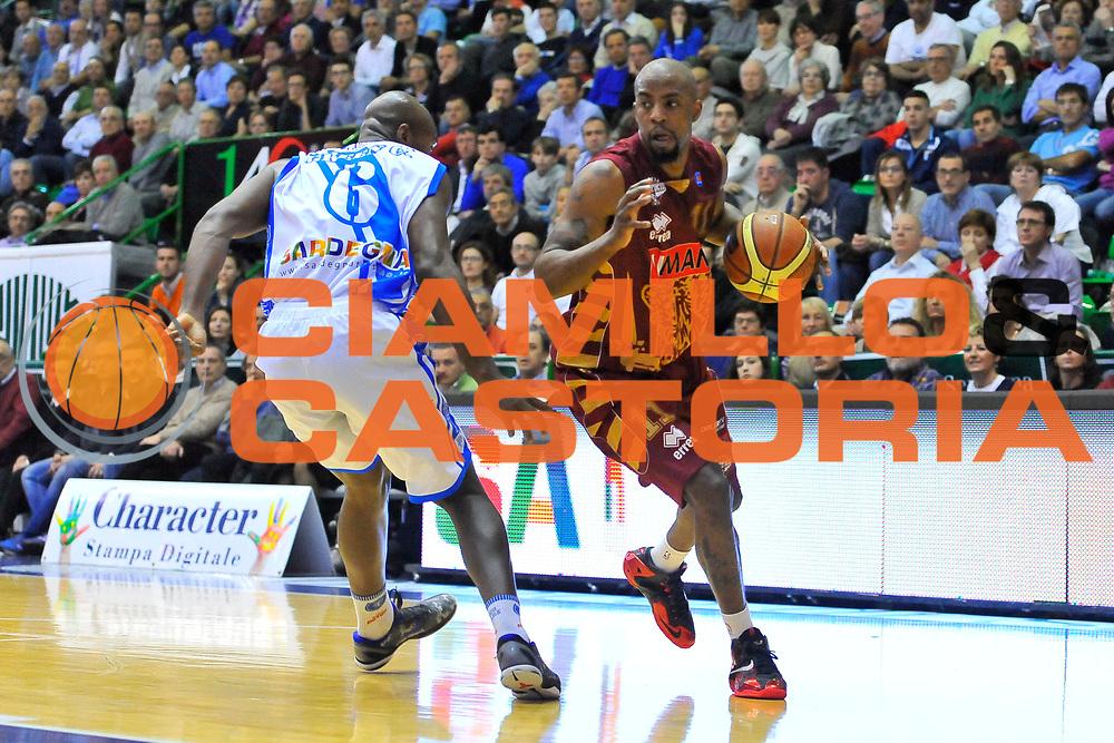 DESCRIZIONE : Campionato 2013/14 Dinamo Banco di Sardegna Sassari - Umana Reyer Venezia<br /> GIOCATORE : Donell Taylor<br /> CATEGORIA : Palleggio Penetrazione<br /> SQUADRA : Umana Reyer Venezia<br /> EVENTO : LegaBasket Serie A Beko 2013/2014<br /> GARA : Dinamo Banco di Sardegna Sassari - Umana Reyer Venezia<br /> DATA : 16/03/2014<br /> SPORT : Pallacanestro <br /> AUTORE : Agenzia Ciamillo-Castoria / Luigi Canu<br /> Galleria : LegaBasket Serie A Beko 2013/2014<br /> Fotonotizia : Campionato 2013/14 Dinamo Banco di Sardegna Sassari - Umana Reyer Venezia<br /> Predefinita :