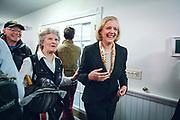 Bow, New Hampshire, USA, 20160202: CEO i Hewlett Packard Enterprise, Meg Whitman (foran), var med Christie på kampanjeeventer onsdag. Den republikanske presidentkandidaten Chris Christie besøker eldresenteret White Rock. Foto: Ørjan F. Ellingvåg