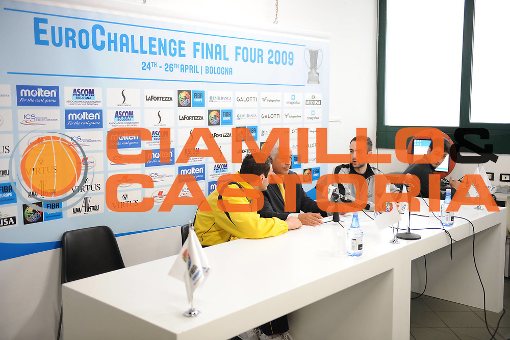 DESCRIZIONE : Bologna EuroChallenge Final Four 2009 Final Virtus Bologna Fiere Cholet Basket<br /> GIOCATORE : Press Room<br /> SQUADRA : Fiba Europe<br /> EVENTO : EuroCup-EuroChallenge 2009<br /> GARA : Virtus Bologna Fiere Cholet Basket<br /> DATA : 26/04/2009 <br /> CATEGORIA : <br /> SPORT : Pallacanestro <br /> AUTORE : Agenzia Ciamillo-Castoria/M.Marchi