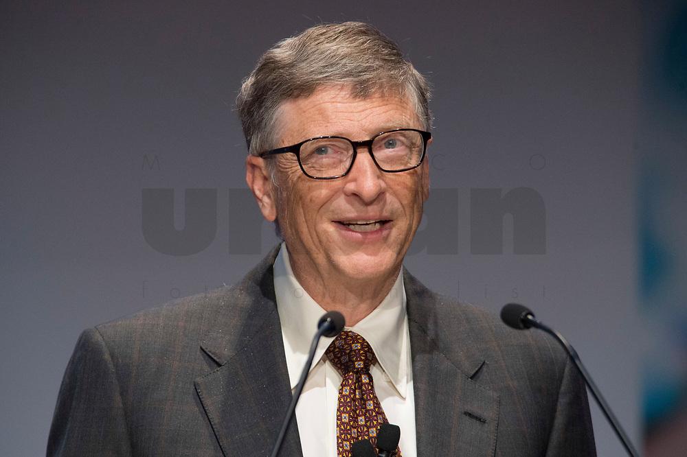 """27 JAN 2015, BERLIN/GERMANY:<br /> Bill Gates (William Henry Gates III),  Mitgruender und  Chairman of the Board der Microsoft Corporation und Mitgruender der  Bill & Melinda Gates Foundation, haelt eine Rede waehrend der Gavi Pledging Conference """"Reach Every Child"""", Berlin Congress Center<br /> IMAGE: 20150127-01-075<br /> KEYWORDS: Gavi Impfallianz"""
