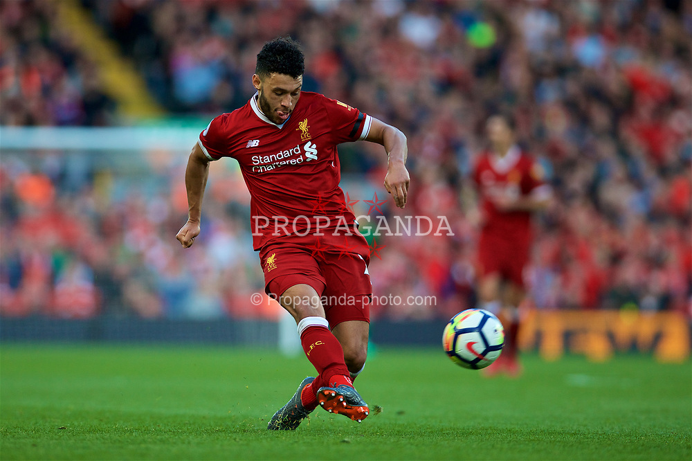 LIVERPOOL, ENGLAND - Saturday, April 14, 2018: Liverpool's Alex Oxlade-Chamberlain during the FA Premier League match between Liverpool FC and AFC Bournemouth at Anfield. (Pic by Laura Malkin/Propaganda)