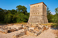 Albanie, province de Vlore, site archeologique de Butrint, Patrimoine mondial de l'Unesco, tour venitienne // Albania, Vlore province, Butrint, Ruins of the greek city, UNESCO World Heritage Site, Venetian tower