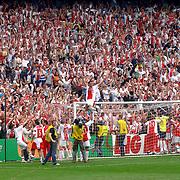 NLD/Rotterdam/20060507 - Finale competitie 2005/2006 Gatorade cup Ajax - PSV, fans, publiek, tribune, juanfran op het de lat van het doel