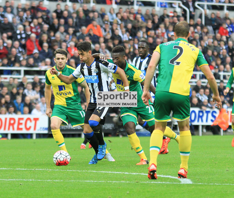 Newcastle United V Norwich City Premier League 18th October 2015;  Ayoze Perez (Newcastle, 17) breaks through the Norwich defence during the Newcastle V Norwich match, played at St. James Park, Newcastle.