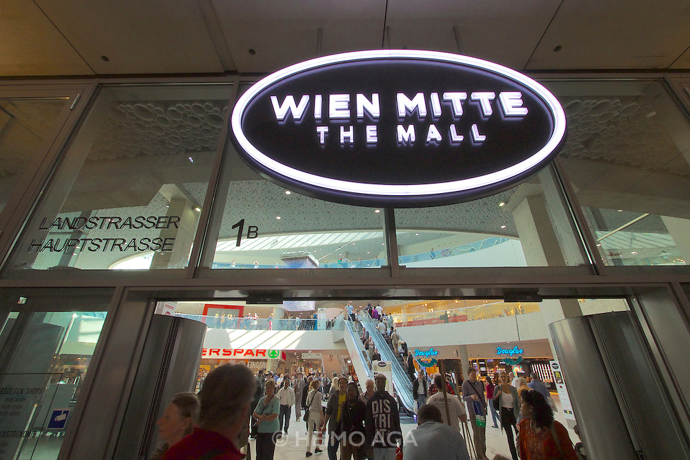 Vienna, Austria. Grand Opening of The Mall at Vienna's Wien Mitte railway station.