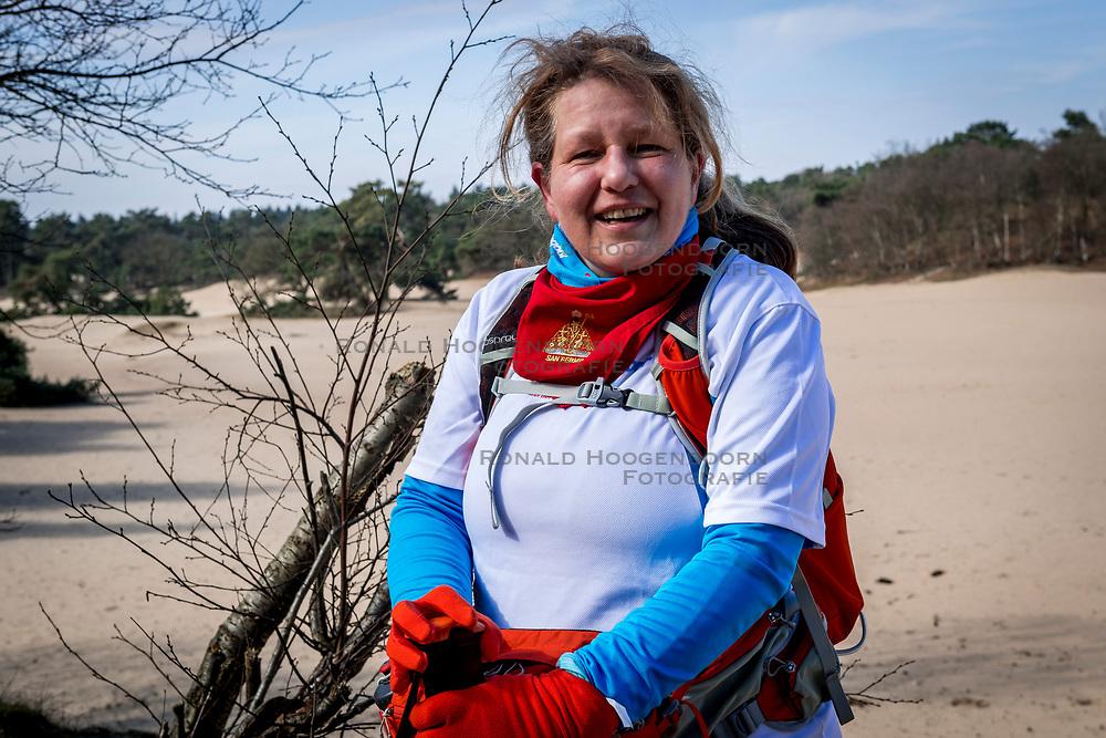 18-03-2018 NED: We hike to change diabetes, Soest<br /> Training voor de Camino 2018 op de Soesterduinen / Juliet