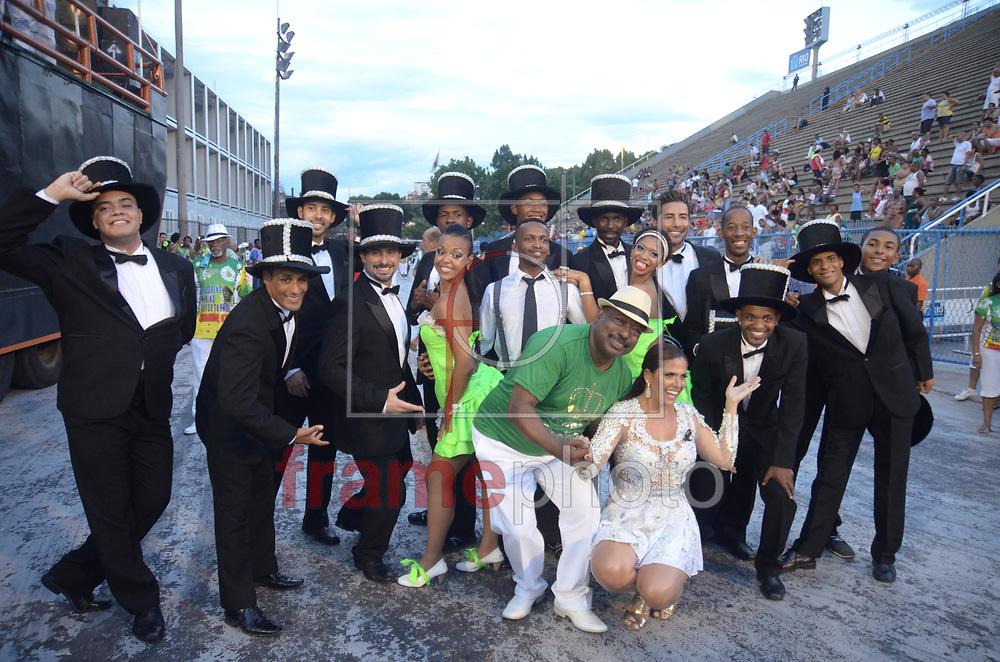 Rio de Janeiro (RJ), 21/12/2014 - Ensaio Técnico da Escola de Samba Acadêmicos de Santa Cruz para o Carnaval 2015 do Grupo de Acesso Série A, coordenado pela LIERJ, no sambódromo, zona centro da cidade neste domingo (21/12). Foto: ADRIANO ISHIBASHI/FRAME