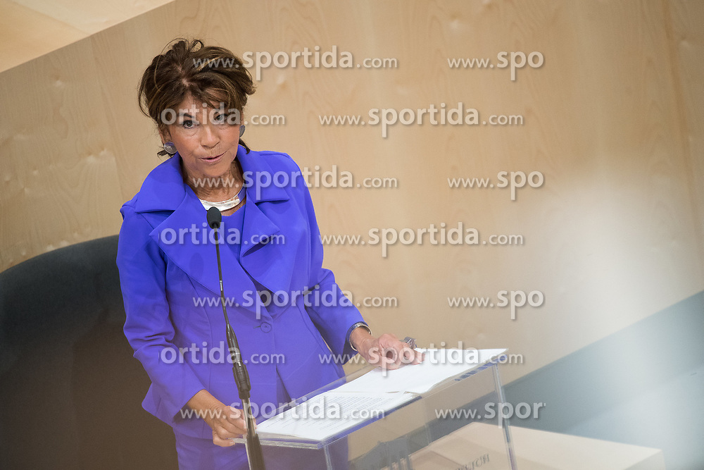 12.06.2019, Hofburg, Wien, AUT, Parlament, Nationalratssitzung, Sitzung des Nationalrates mit Vorstellung der Übergangsregierung, im Bild Bundeskanzlerin Brigitte Bierlein // Austrian Chancellor Brigitte Bierlein during meeting of the National Council of austria at Hofburg palace in Vienna, Austria on 2019/06/12, EXPA Pictures © 2019, PhotoCredit: EXPA/ Michael Gruber