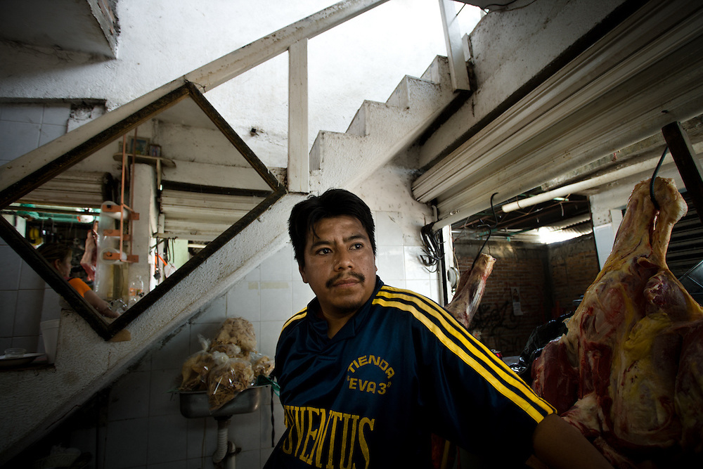 Xavier Antonio is a supporter of FUSDEG. In the three months of their activity in Petaquillas the streets got safer after dark, local businesses don't have to deal with extortionists.