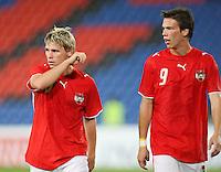Fussball International Laenderspiel Oesterreich - Venezuela  Die Oesterreicher Christoph Leitgeb (li.) und Roland Linz