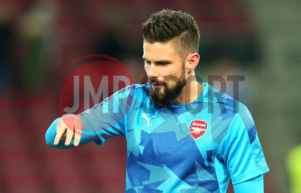 Olivier Giroud of Arsenal - Mandatory by-line: Robbie Stephenson/JMP - 23/11/2017 - FOOTBALL - RheinEnergieSTADION - Cologne,  - Cologne v Arsenal - UEFA Europa League Group H