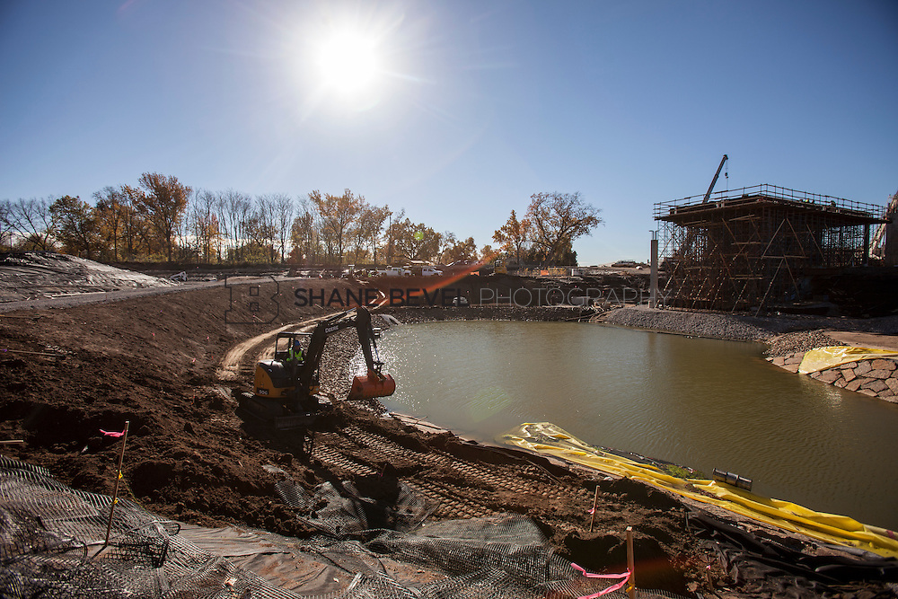 11/29/16 11:26:20 AM -- Updates to Caterpiller Bridge, One Boathouse and general views of the park. <br /> <br /> Photo by Shane Bevel