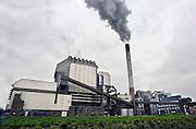 Nederland, Nijmegen, 28-1-2008..Rokende schoorsteen van de elektricitietscentrale van Electrabel...Foto: Flip Franssen/Hollandse Hoogte