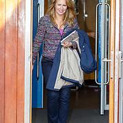 NLD/de Meern/20151009 - Voorleesactie prinses Laurentien + Jan Terlouw boek 'Kapsones', vertrek weervrouw Helga van Leur