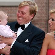 NLD/Apeldoorn/20070901 - Viering 40ste verjaardag Prins Willem Alexander, Willem Alexander en Maxima samen met dochter Ariane