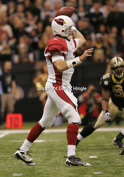 16 January 2010: Arizona Cardinals quarterback Matt Leinart (7) throws a pass during a 45-14 win by the New Orleans Saints over the Arizona Cardinals in a 2010 NFC Divisional Playoff game at the Louisiana Superdome in New Orleans, Louisiana.