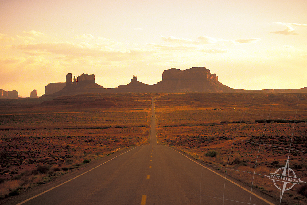 Arizona Highway to Monument Valley