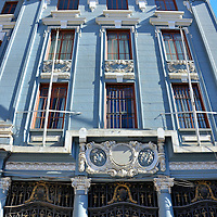 Magnificent Building on Jos&eacute; Tom&aacute;s Romos in Valpara&iacute;so, Chile<br />