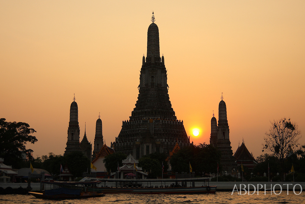 Wat Arun Temple of the Dawn Bangkok Thailand at sunset