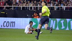 03-03-2007 VOETBAL: SEVILLA FC - BARCELONA: SEVILLA  <br /> Sevilla wint de topper met Barcelona met 2-1 / Daniel Alves Da Silva - boarding unibet.com<br /> ©2006-WWW.FOTOHOOGENDOORN.NL