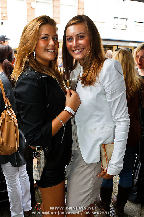 NLD/Amsterdam/20100822 - Grazia PC Catwalk 2010, Gooisch meisje