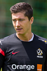 27.05.2012, Dolomitenstadion, Lienz, AUT, UEFA EURO 2012, Trainingscamp, Polen, Training, im Bild Robert Lewandowski (POL) // Robert Lewandowski of Poland during second training of polish National Footballteam for preparation UEFA EURO 2012 at Dolomitenstadion, Lienz, Austria on 2012/05/27. EXPA Pictures © 2012, PhotoCredit: EXPA/ Johann