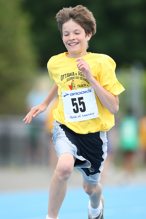 (Ottawa, Ontario---20/06/09)   Nathan Colwell competing in the 100m at the 2009 Bank of America All-Champions Elementary School Track and Field Championship. www.mundosportimages.com / www.msievents.