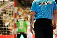 Håndball , EM-Kvalifisering , Kvalifisering til Europamesterskaper i 2018 , Menn<br /> 03.05.17 , 20170503<br /> Norge - Frankrike<br /> Den ene dommerens tatoverte arm <br /> Foto: Sjur Stølen / Digitalsport