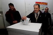 Bologna, 08 Dicembre 2013 - Primarie per la scelta del nuovo segretario del PD. Romano Prodi al voto.