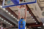 DESCRIZIONE : Campionato 2014/15 Dinamo Banco di Sardegna Sassari - Vanoli Cremona<br /> GIOCATORE : Marco Cusin<br /> CATEGORIA : Schiacciata<br /> SQUADRA : Vanoli Cremona<br /> EVENTO : LegaBasket Serie A Beko 2014/2015<br /> GARA : Banco di Sardegna Sassari - Vanoli Cremona<br /> DATA : 10/01/2015<br /> SPORT : Pallacanestro <br /> AUTORE : Agenzia Ciamillo-Castoria / Claudio Atzori<br /> Galleria : LegaBasket Serie A Beko 2014/2015<br /> Fotonotizia : DESCRIZIONE : Campionato 2014/15 Dinamo Banco di Sardegna Sassari - Vanoli Cremona<br /> <br /> Predefinita :