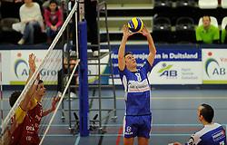 12-02-2011 VOLLEYBAL: AB GRONINGEN/LYCURGUS - DRAISMA DYNAMO: GRONINGEN<br /> In een bomvol Alfa-college Sportcentrum werd Dynamo met 3-2 (25-27, 23-25, 25-19, 25-23 en 16-14) verslagen door Lycurgus / Ron van Steen (#8)<br /> ©2011-WWW.FOTOHOOGENDOORN.NL