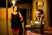 Sao Joao Del Rei_MG, Brasil...Retrato de uma familia beneficiada pela eletrificacao rural no projeto Luz para Todos...A family portrait favored by rural electrification, in the Luz para Todos project...Foto: LEO DRUMOND / NITRO