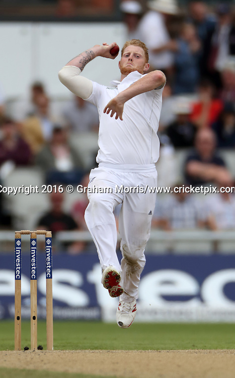 Ben Stokes bowls during the second Investec Test Match between England and Pakistan at Old Trafford, Manchester. Photo: Graham Morris/www.cricketpix.com 25/7/16