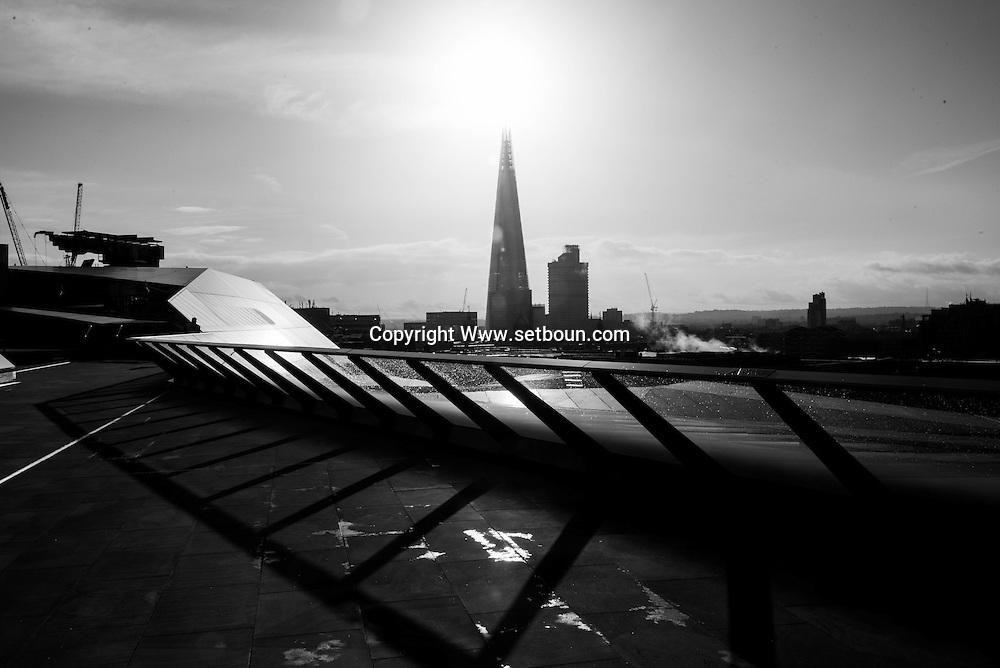 London. UK  rooftop terrace of the One new Change shopping center / Londres . la terrasse du centre commercial one new change dans la city. Grande Bretagne