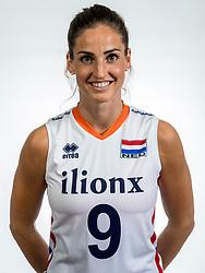 22-05-2017 NED: Nederlands volleybalteam vrouwen, Utrecht<br /> Photoshoot met Oranje vrouwen seizoen 2017 / Myrthe Schoot #9