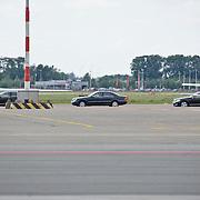 NLD/Amsterdam/20080623 - Aankomst van jennifer Aniston op Schiphol met een privevliegtuig