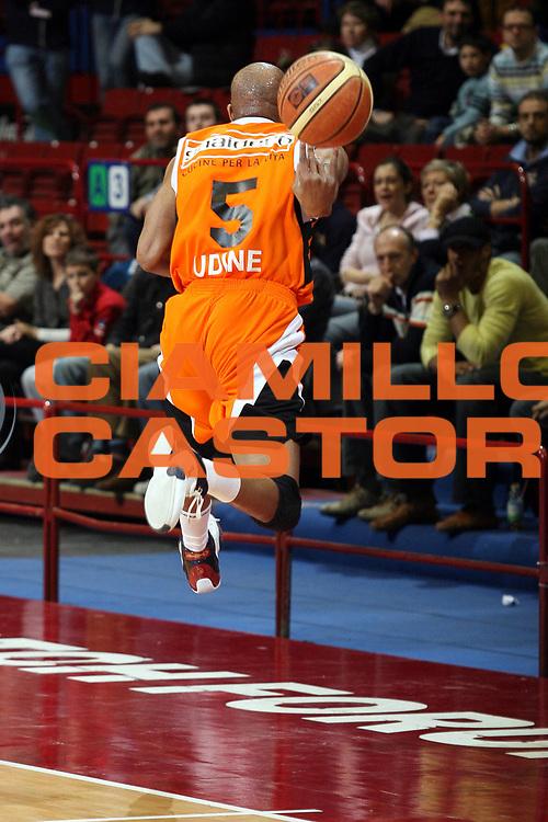 DESCRIZIONE : Milano Lega A1 2007-08 Armani Jeans Milano Snaidero Udine<br /> GIOCATORE : Jerome Allen<br /> SQUADRA : Snaidero Udine<br /> EVENTO : Campionato Lega A1 2007-2008<br /> GARA : Armani Jeans Milano Snaidero Udine<br /> DATA : 22/03/2008<br /> CATEGORIA : Rimbalzo Curiosita<br /> SPORT : Pallacanestro<br /> AUTORE : Agenzia Ciamillo-Castoria/S.Ceretti