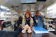 Mannheim. 10.02.18 | <br /> Närrische Bootsfahrt mit dem Mannheimer Stadtprinzenpaar Miriam I. und Marcus I. <br /> Danch kleiner Umzug mit Gefolge zum Mannheimer Marktplatz über die Planken zum Wasserturm mit Fahrt im Riesenrad.<br /> Bild: Markus Prosswitz 10FEB18 / masterpress (Bild ist honorarpflichtig - No Model Release!) <br /> BILD- ID 03920 |