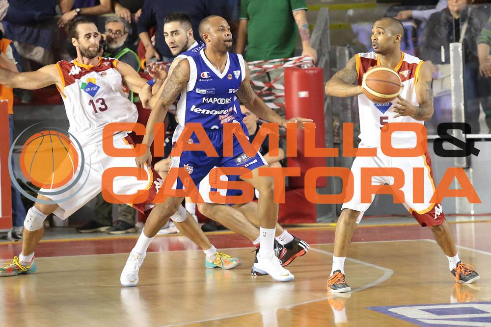 DESCRIZIONE : Roma Lega A 2012-2013 Acea Roma Lenovo Cantu playoff semifinale gara 1<br /> GIOCATORE : Goss Phil<br /> CATEGORIA : controcampo<br /> SQUADRA : Acea Roma<br /> EVENTO : Campionato Lega A 2012-2013 playoff semifinale gara 1<br /> GARA : Acea Roma Lenovo Cantu<br /> DATA : 24/05/2013<br /> SPORT : Pallacanestro <br /> AUTORE : Agenzia Ciamillo-Castoria/M.Simoni<br /> Galleria : Lega Basket A 2012-2013  <br /> Fotonotizia : Roma Lega A 2012-2013 Acea Roma Lenovo Cantu playoff semifinale gara 1<br /> Predefinita :