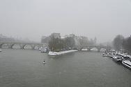 France. Paris 1st district, Pont neuf bridge and ile de la cité