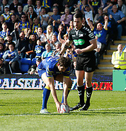 Stefan Ratchford of Warrington Wolves  scores the try against Hull Kingston Rovers during the Betfred Super League match at the Halliwell Jones Stadium, Warrington<br /> Picture by Stephen Gaunt/Focus Images Ltd +447904 833202<br /> 14/04/2018