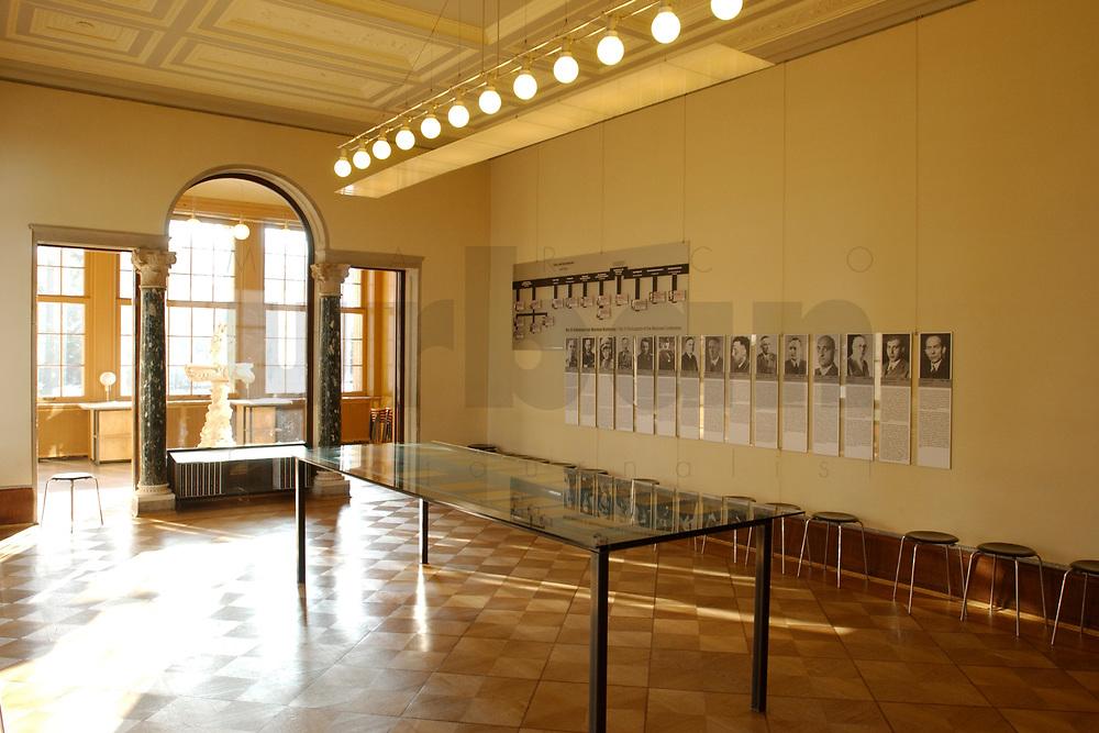 """15 JAN 2002, BERLIN/GERMANY:<br /> Konferenzraum der Wannsee-Konferenz, mit Schautafeln der Teilnehmer der Konferenz zur sog. """"Endloesung der Judenfrage"""", Gedenk- und Bildungsstaette Haus der Wannsee-Konferenz, Am Grossen Wannsee 56-58, 14109 Berlin<br /> IMAGE: 20020115-01-021<br /> KEYWORDS: Konferenzsaal, Saal"""