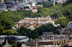 UK ENGLAND LONDON 22JUL08 - Aerial view of Buckingham Palace in central London during zeppelin flight over the city...jre/Photo by Jiri Rezac..© Jiri Rezac 2008..Contact: +44 (0) 7050 110 417.Mobile:  +44 (0) 7801 337 683.Office:  +44 (0) 20 8968 9635..Email:   jiri@jirirezac.com.Web:    www.jirirezac.com..© All images Jiri Rezac 2008 - All rights reserved.