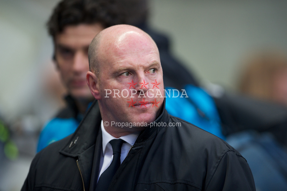 MANCHESTER, ENGLAND - Saturday, February 25, 2012: Blackburn Rovers' manager Steve Kean before the Premiership match against Manchester City at City of Manchester Stadium. (Pic by David Rawcliffe/Propaganda)