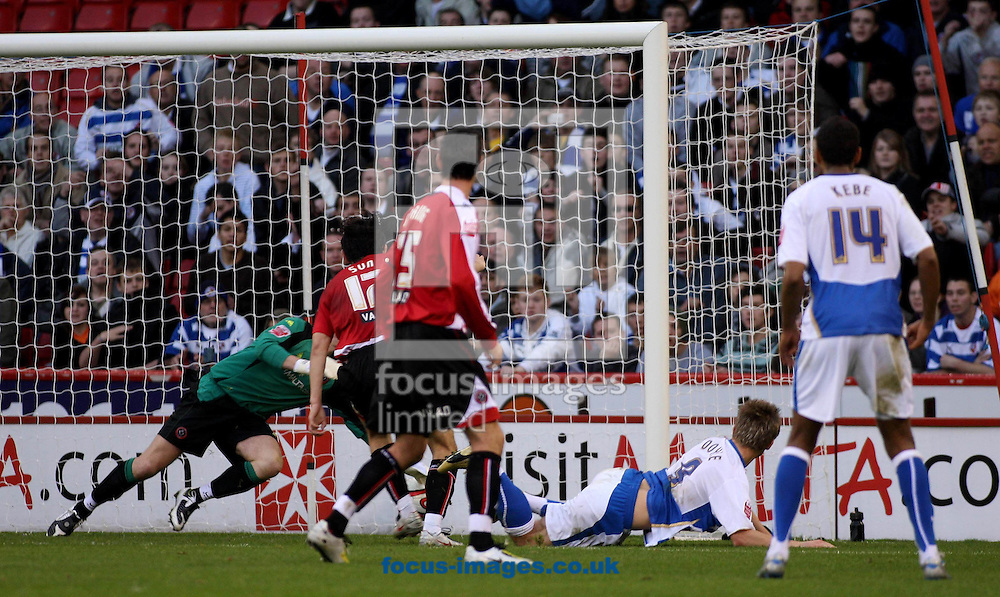 Sheffield - Saturday November 15th, 2008: Kevin Doyle of Reading Scores the second Goal during the Coca Cola Championship match at Bramall Lane Sheffield. (Pic by Steven Price/Focus Images)
